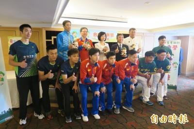 桌球》合庫暑假育樂營 「桌球王子」江宏傑盼帶給孩童快樂