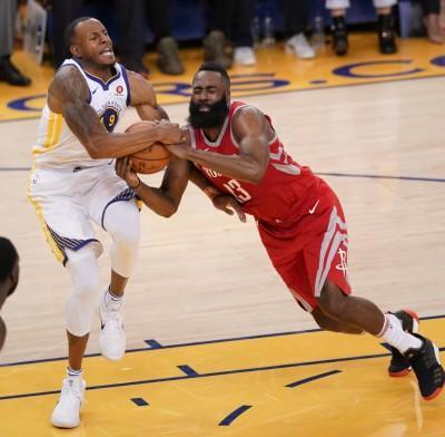 NBA》膝傷惡化取消練習 伊古達拉不確定G4能否上場