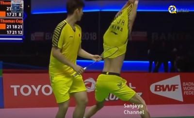羽球》糗!中國男雙李俊慧脫衣慶祝「落漆」反成網紅(影音)