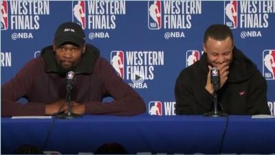 NBA》美記者賽後這一問  讓柯瑞狂笑、KD超尷尬(影音)