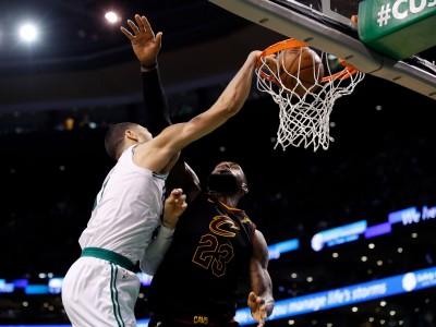 NBA》討回來了!綠衫軍新秀在詹皇面前上演驚天暴扣(影音)