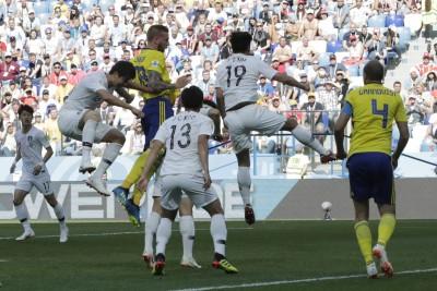 世足賽 Live》南韓門將擋下瑞典危險球 上半場雙方0比0