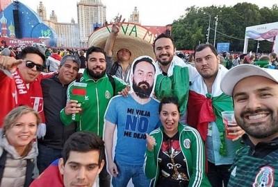 世足賽》老婆不放行!墨西哥球迷用妙招幫朋友圓夢