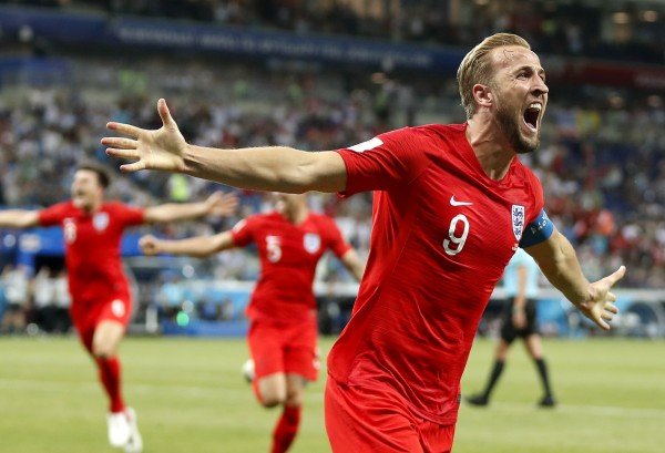 英格蘭與突尼西亞對陣時 竟還要和「第3支隊伍」奮戰...