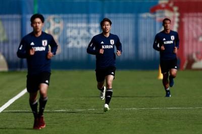 世足賽》日本爆冷擊敗哥國 全隊唯獨「他」高興不起來