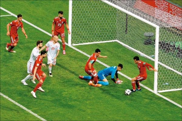 球評:伊朗擺鐵桶陣 對戰強隊限定