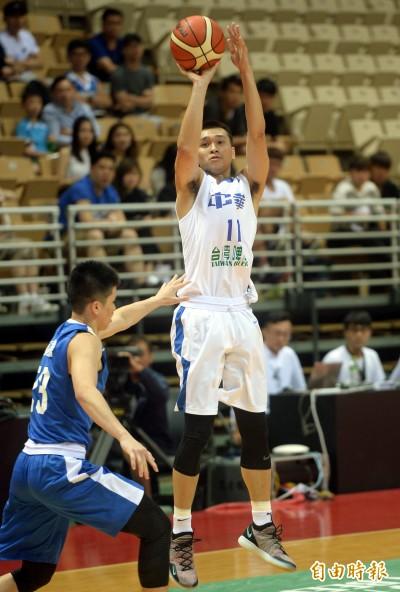 瓊斯盃》黃聰翰五記三分定勝局 台灣藍三連勝到手
