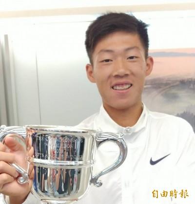 網球》「夜市小球王」載譽歸國 曾俊欣霸氣宣告:明年提前轉戰職業