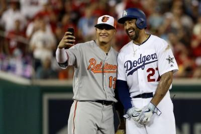 MLB》向道奇未來隊友示好?馬查多和坎普自拍引遐想