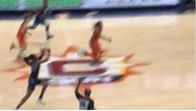 WNBA》女生也可以!美夢海耶絲Logo shot絕殺對手(影音)