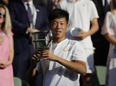 網球》曾俊欣喜獲青少名人賽門票 許育修後台將第2人