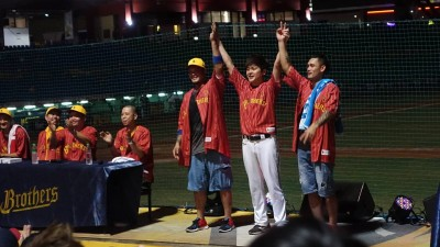 中職》林智勝、張志豪飆嘻哈 蛋堡評大師兄:被棒球耽誤的饒舌歌手
