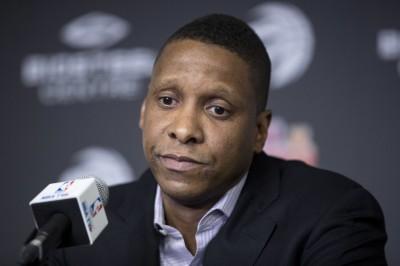 NBA》送走德羅森犯眾怒 暴龍總裁道歉:是我沒溝通好