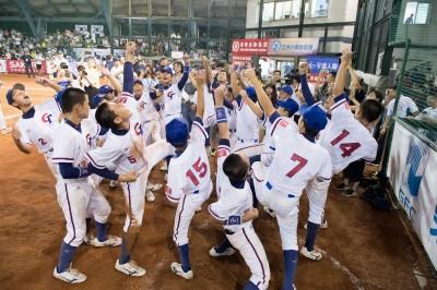 亞洲少棒賽》胡家兄弟安打、曾聖安好投 台灣隊奪第7冠