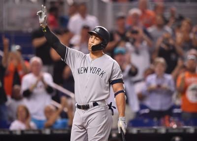 MLB》怪力男重返邁阿密 全場起立歡呼場面動人(影音)