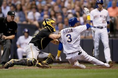 MLB》釀酒人衝季後賽 觸擊跑成2分打點二壘打(影音)