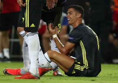 足球》歐冠吃紅牌崩潰 C羅留更衣室當面跟隊友道歉