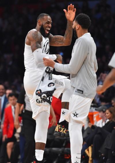 NBA》與詹皇經紀人簽約 A.戴維斯盼提升球隊層次