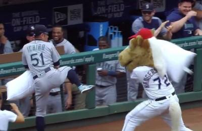MLB》枕頭戰也要全力以赴 朗神迴旋踢讓隊友笑瘋(影音)