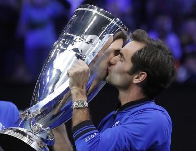 網球》歐洲隊拉沃盃二連霸 費德爾豪氣拿獎盃灌香檳