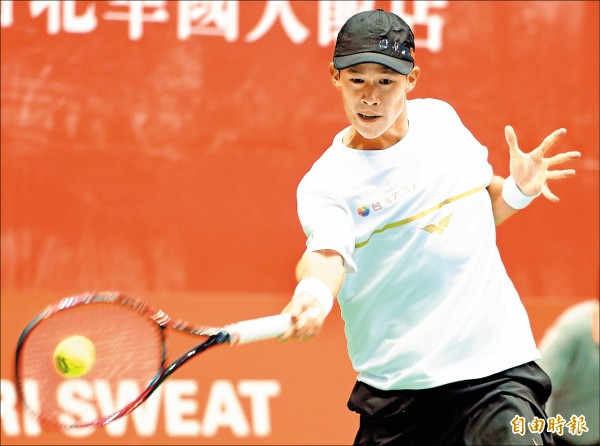 成都男網賽》ATP職巡賽初登場 曾俊欣搏前百惜敗