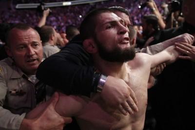 UFC》格鬥賽變大亂鬥!俄羅斯拳王道歉 「普廷為我感到驕傲」