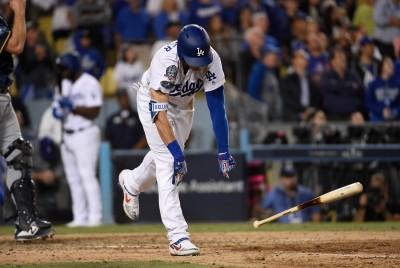 MLB》守備瑕疵打擊又熄火   去年國聯新人王怒摔球棒(影音)