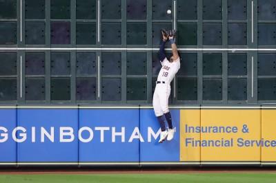 MLB》身高不到170 他神奇美技讓對手傻眼 (影音)