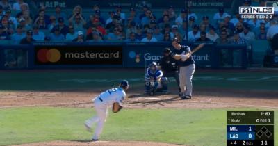 MLB》季後賽不軟手! 克蕭招牌曲球讓對手吃癟(影音)