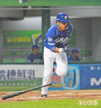 中職季後賽》敲3安又有美技 MVP陳凱倫:100%去拚