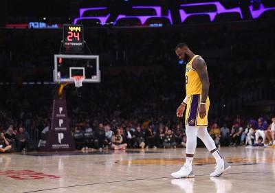 NBA》關鍵時刻就變「軟手詹」 詹姆斯罰球數據聯盟墊底