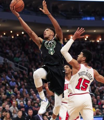 NBA》瘋狂第三節! 公鹿下半場打傻公牛