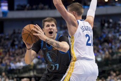 NBA》歐陸金童關鍵演出比下勇士雙星 獨行俠收4連勝