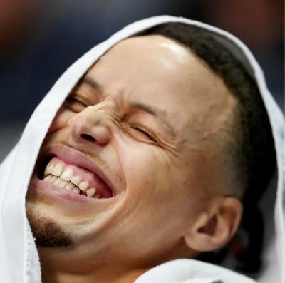 NBA》柯瑞不在就變路人球隊 數據證實他就是真大腿