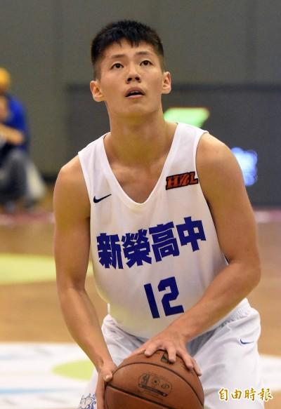 HBL》「東原連線」謝睿恩、陳泰成發威 新榮終於重返12強
