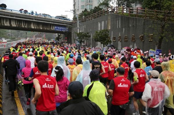 2015新北市万金石马拉松获国际田径总会认证- 自由体育ie10