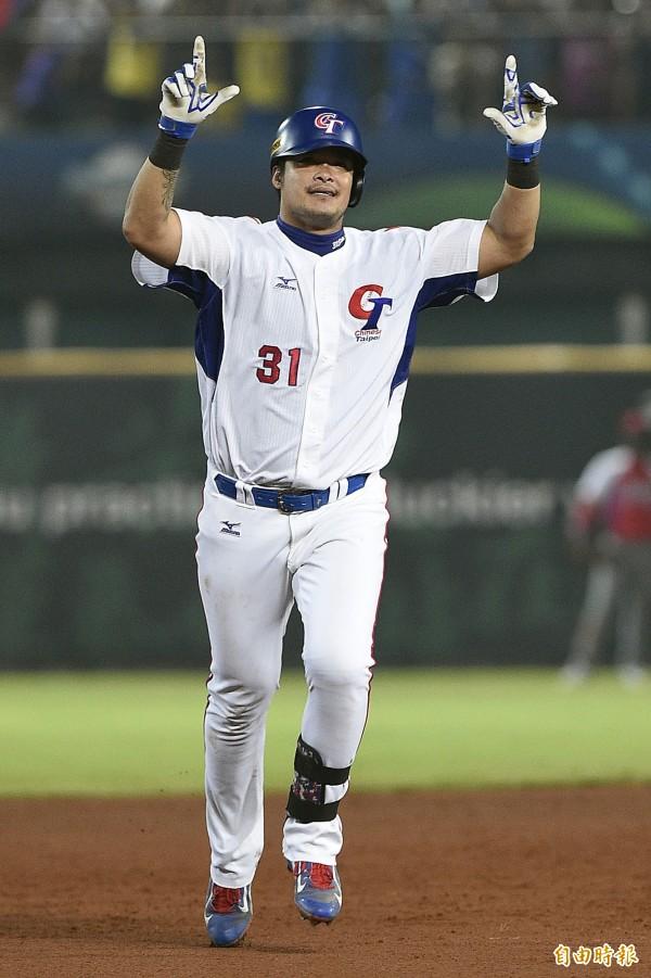 台灣隊林智勝轟出三分彈逆轉比分。(記者陳志曲攝)