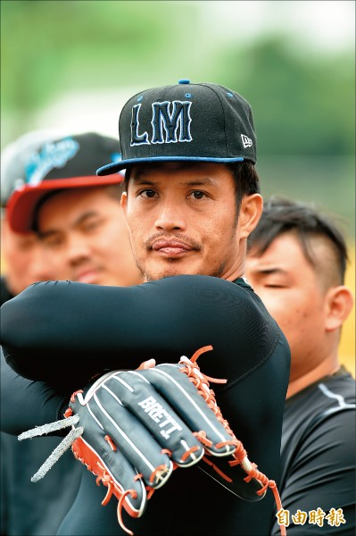 陽耀勳前一次以野手身分參加季前訓練,已經是10年前的事。(記者張忠義攝)
