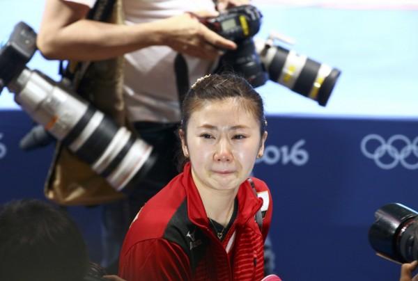 日本桌球女團奪銅牌 福原愛哭慘了