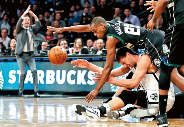 羅培茲雖狂轟本季新高36分,籃網依舊不敵公鹿,吞下主場16連敗。(美聯社)