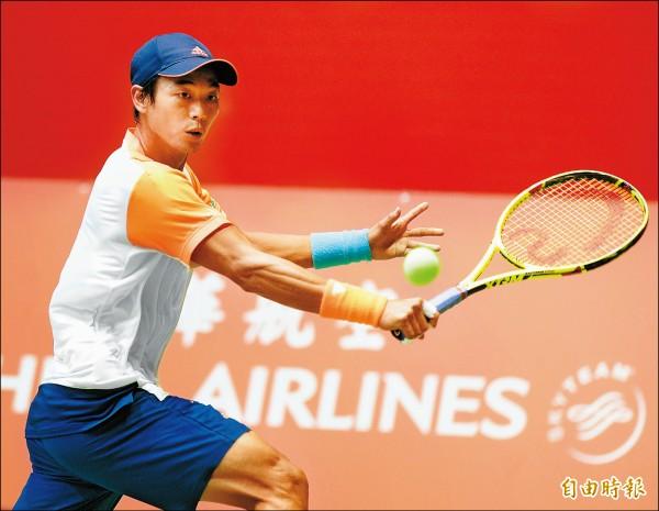 三太子盃男網挑戰賽,盧彥勳以直落二擊敗王宇佐晉級8強。 (記者張嘉明攝)