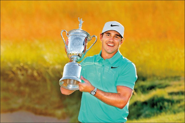 寇普卡奪下美國高爾夫公開賽冠軍。(法新社)