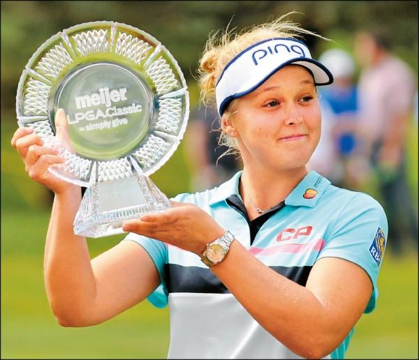 9歲女將韓德森奪下生涯第4座LPGA冠軍。(美聯社)
