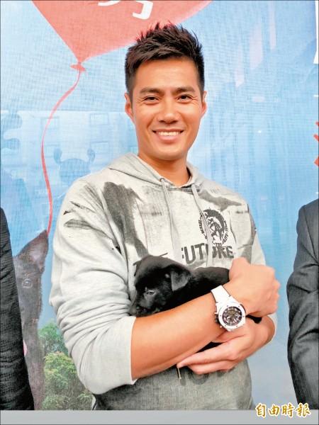 旅美投手陳偉殷愛狗,將收到的贊助款全投入照顧流浪動物。 (記者陳昀攝)