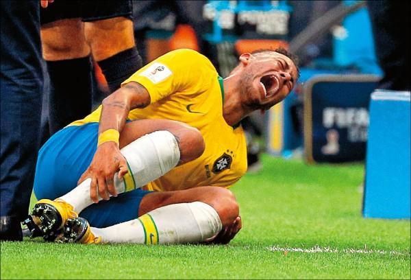 內馬爾今年世界盃屢次假摔,新名詞「內馬爾滾」也隨之而生。(資料照,歐新社)