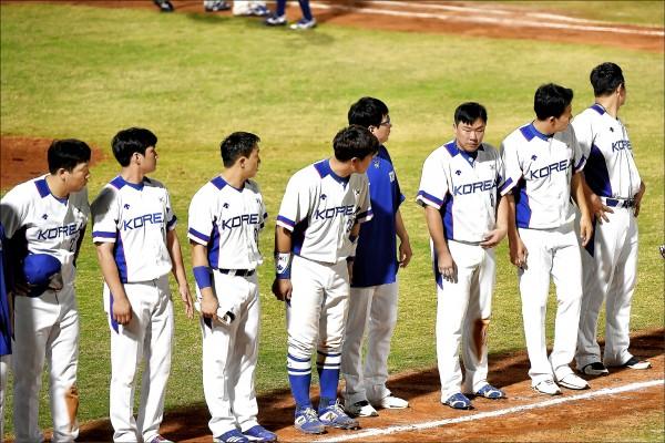 亞運棒球賽台灣隊首戰遭遇南韓,就以1分之差擊敗南韓隊(見圖)。(資料照)