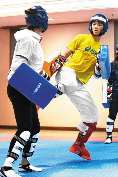 黃鈺仁(右)被看好在世界跆拳道大獎賽能奪牌。 (資料照)