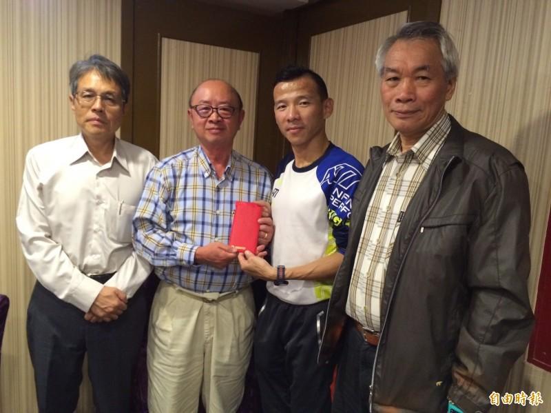 馬拉松》寧波馬拉松 台灣包辦冠亞軍