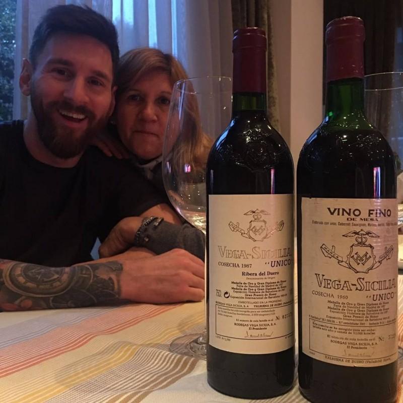 足球》媽媽過生日 梅西花4萬2台幣準備紅酒