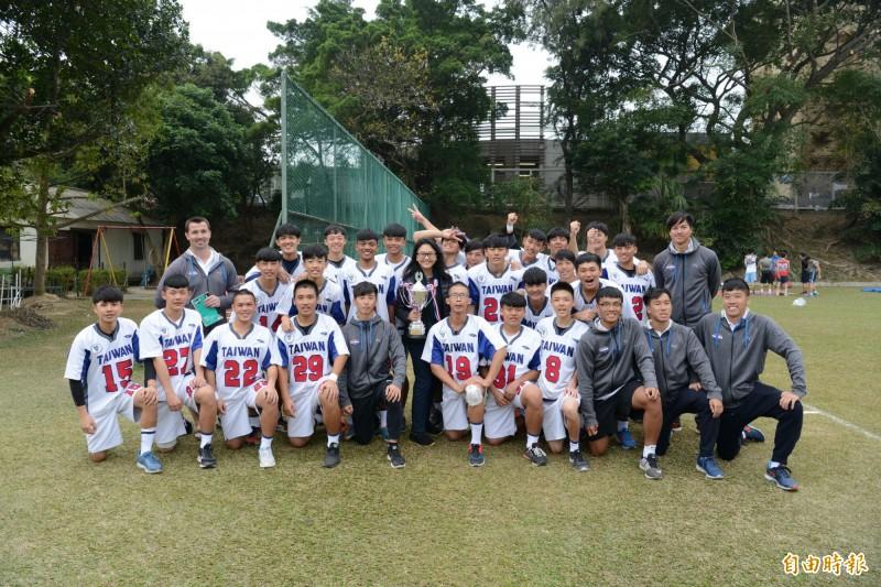 成軍僅3年 公東高工袋棍球香港奪冠